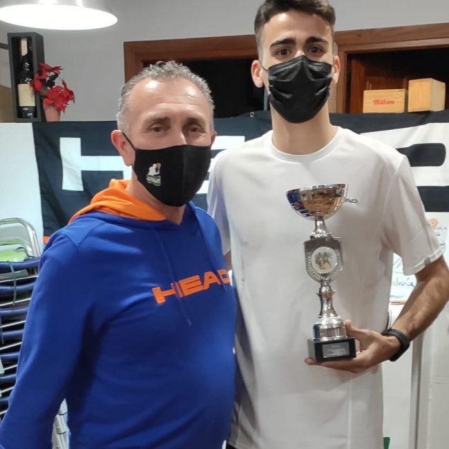 Augusto Ortigosa se impone en el PSA Open Ciudad De Fuengirola